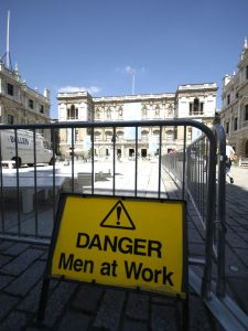 ROYAL ACADEMY - Trabajo en Peligro Hombres